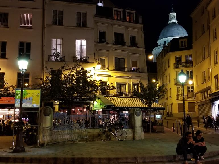Paris Winter Night Tour with Seine River Cruise & Champagne Option