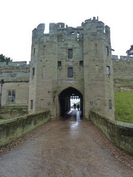 Entrance to Warwick castle , Barb B - November 2012