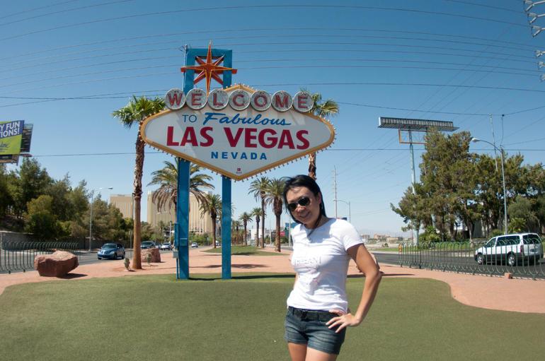 Las Vegas Fabulous Sign - Las Vegas