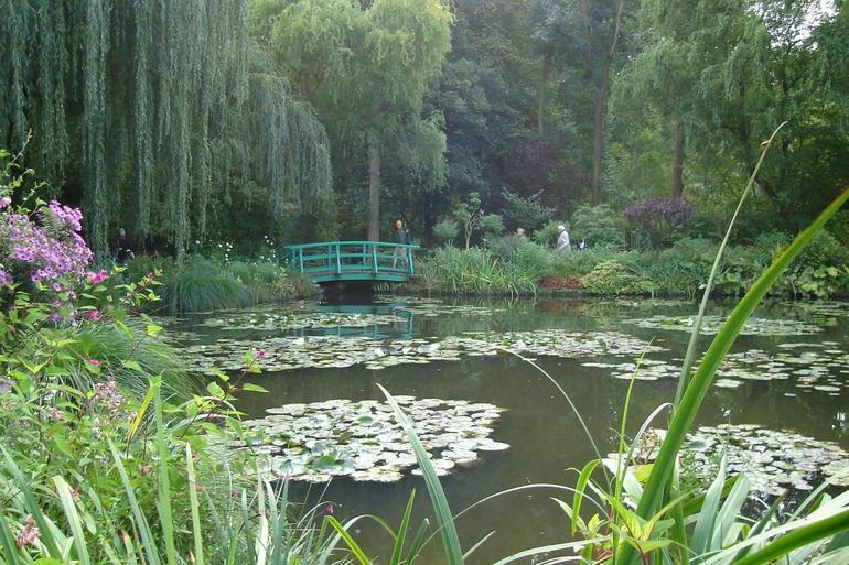 Monet's famous Waterlily Pond - Paris