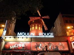 Outside the Moulin Rouge. , Ryan - September 2012