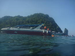 Snorkelling at Phi Phi Don before lunch. , Nelly N - December 2014