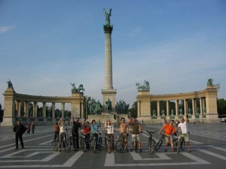 budapest-bike-tour-003.jpg - Budapest