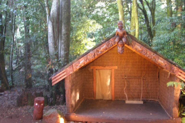 Whare - Rotorua