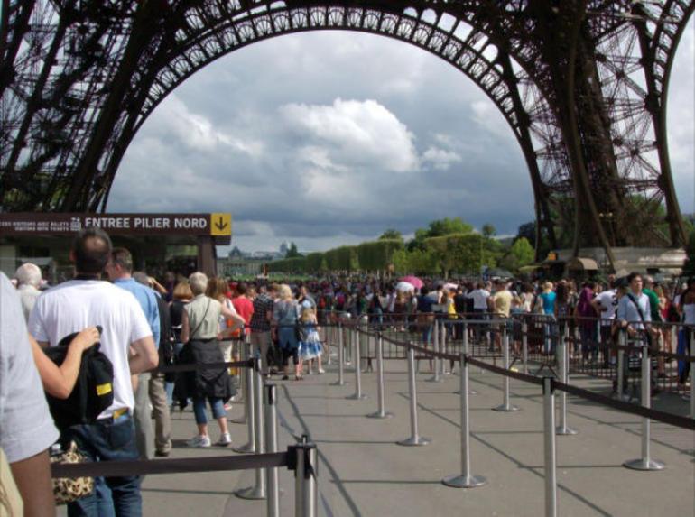 Eiffel Crowds - Paris