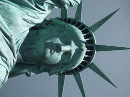 Tout un symbole !! Pour la France qui l'a offerte aux Etats-Unis... pour les millions de migrants... pour la liberté, la démocratie de nos deux peuples... C'est aux USA que nous avons..., Annette G - July 2016