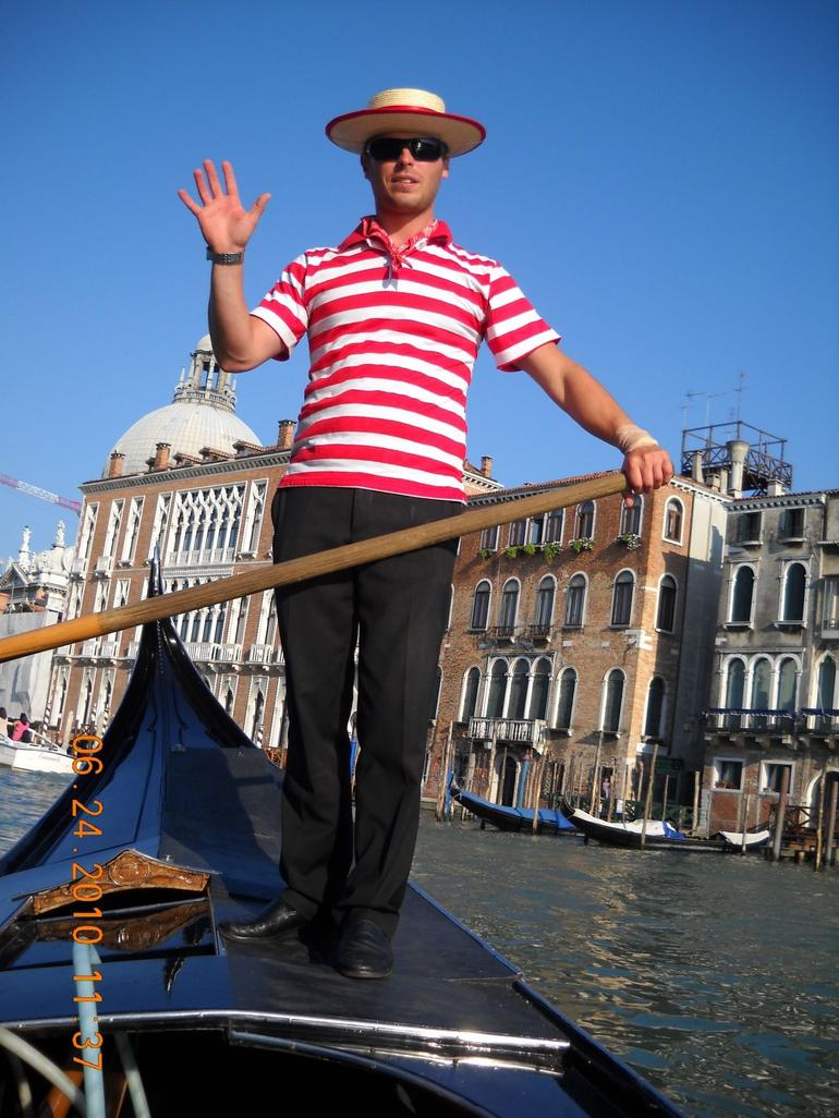 Venice Gondola Ride and Serenade with Dinner photo 11