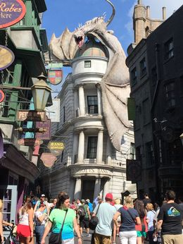 rue principale du monde The Wizarding World of Harry Potter - Diagon Alley , JulsParis - May 2015