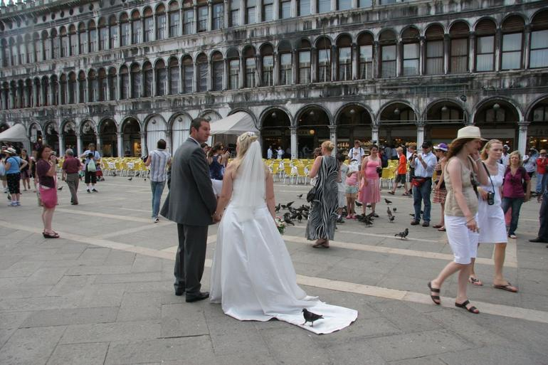 Wedding pictures in St. Mark's Square - Venice