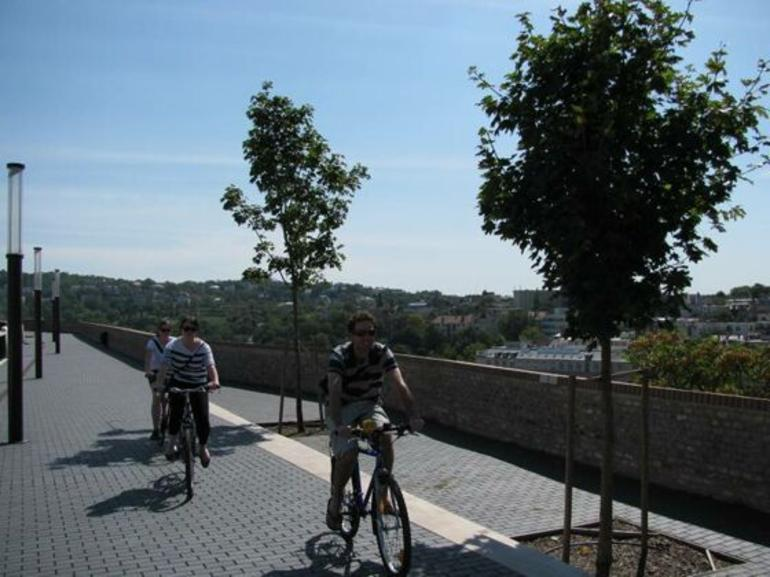budapest-bike-tour-014.jpg - Budapest