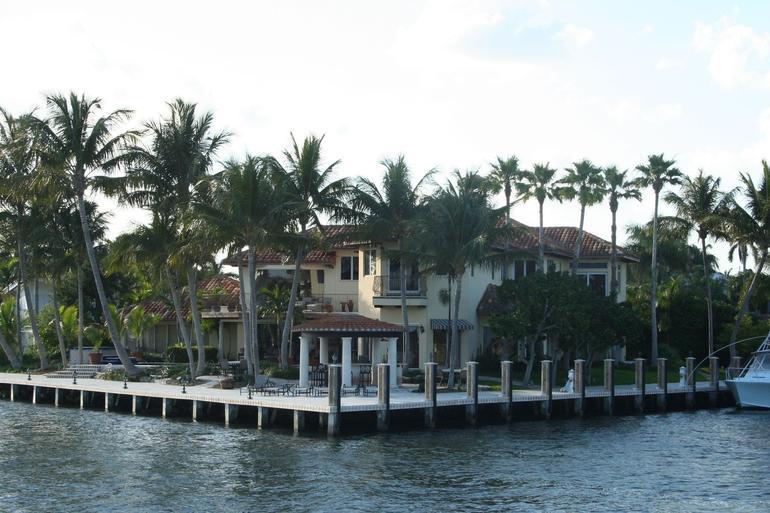 Paseo por el Rio - Fort Lauderdale