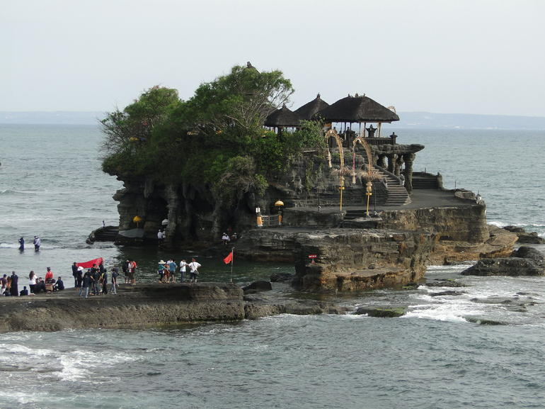 Bali Monkey Forest, Mengwi Temple, and Tanah Lot Afternoon Tour photo 25
