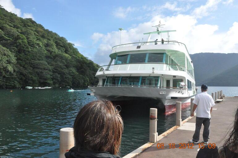Boat in Lake Ashi - Tokyo