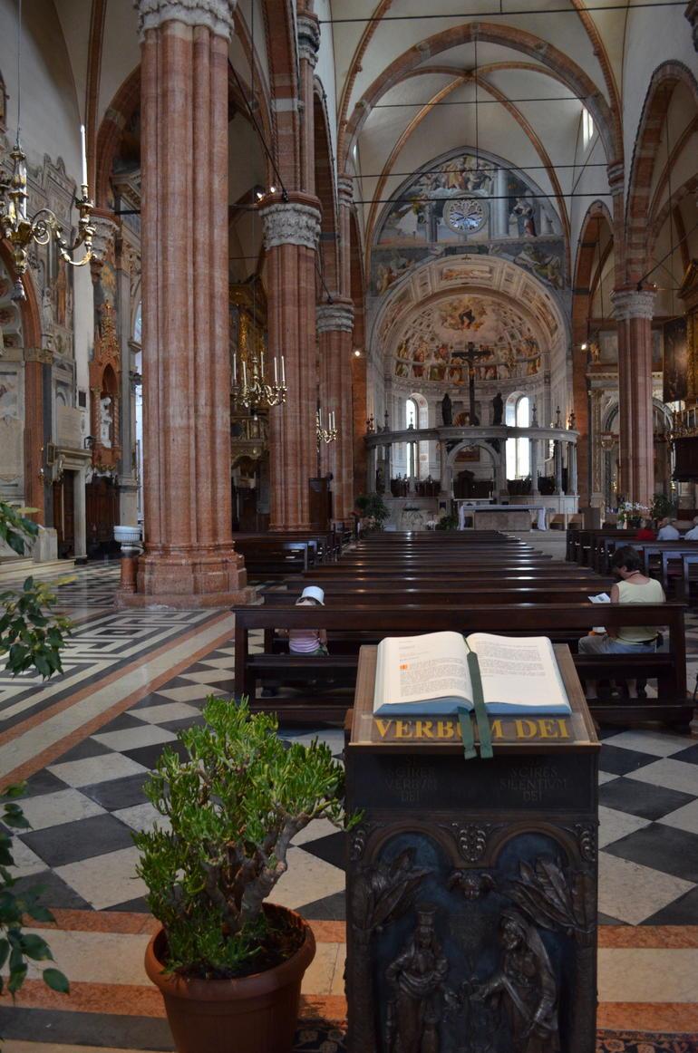 Duomo interior - Verona