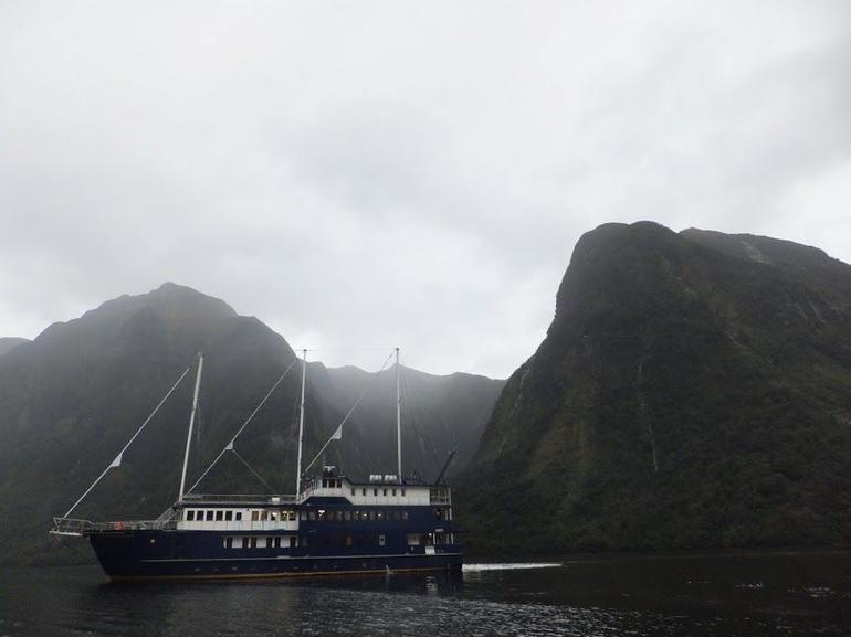 Fiordland Navigator - Fiordland & Milford Sound