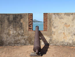 Cannon on top of turret at Fort San Felipe, Puerto Plata - September 2011