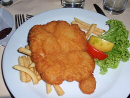 Traditional schnitzel and strudel - a nice way to end a tour! , Savvy Sightseer - August 2014