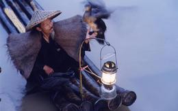 Local fisherman on Li River - May 2012