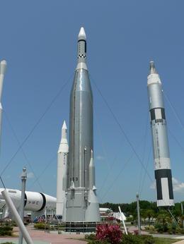 les fusées à l'entrée ... Rockets field , Humbert C - May 2014