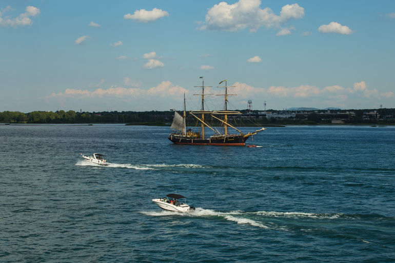 Montreal History Guided Sightseeing Cruise