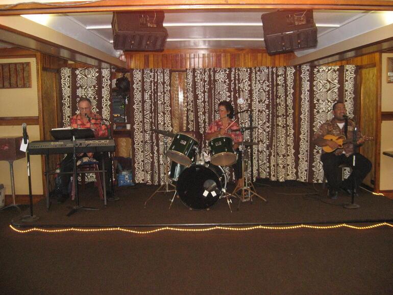 Band - Oahu