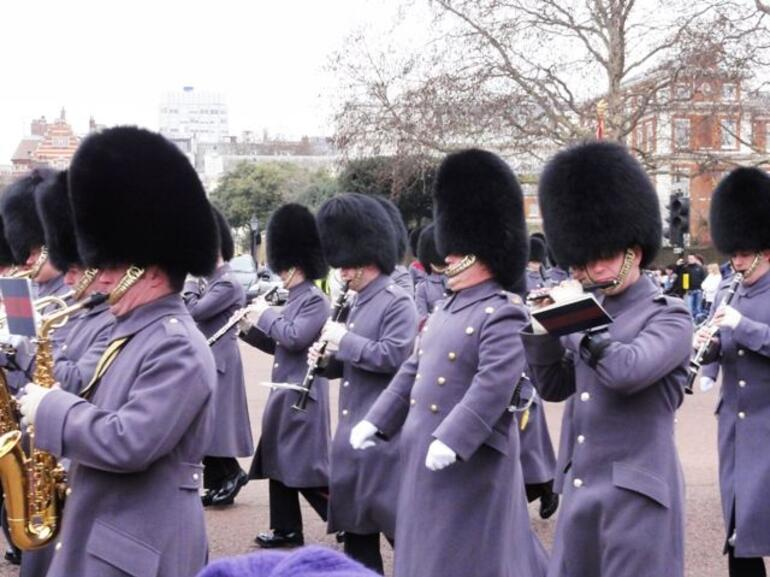 Changing of the Guard - Band - London