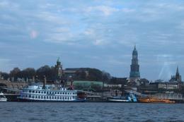 Hamburger Hafenrundfahrt , busboy - December 2014