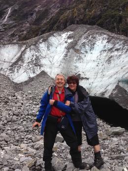 au pied du glacier, photo prise par notre guide avec une crevasse , Ghislaine R - May 2014