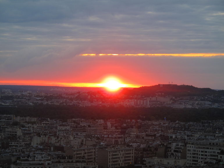 Skip the Line: Small-Group Eiffel Tower Sunset Tour photo 16