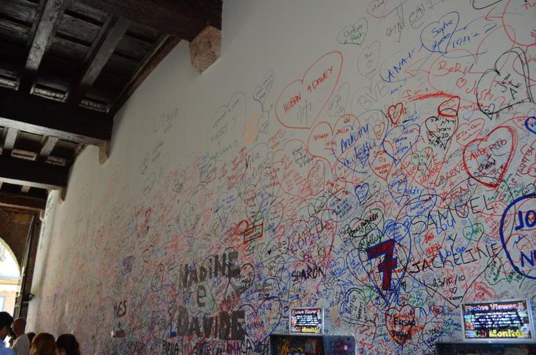 Graffiti at Juliets House - Verona