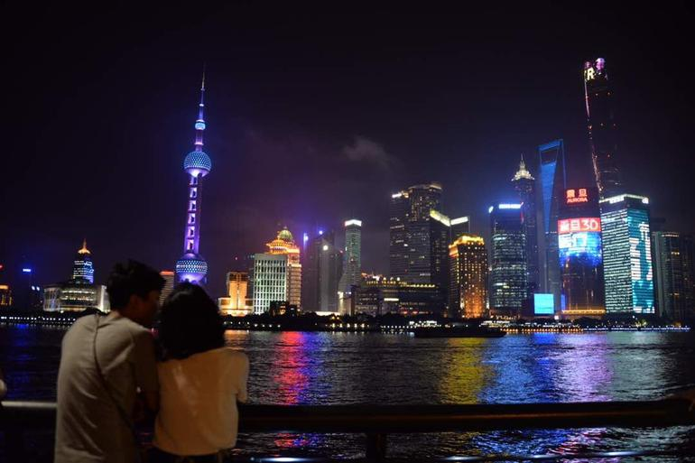Delightful Shanghai Night Tour & Food Tour with Rooftop Bar or Rivercruise photo 16