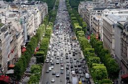 Avenue des Champs-Élysées - May 2011
