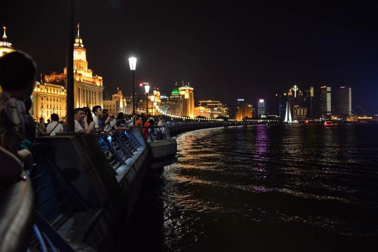 Delightful Shanghai Night Tour & Food Tour with Rooftop Bar or Rivercruise photo 14