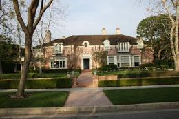 There were the most beautiful houses on the movie stars' homes tour - April 2010