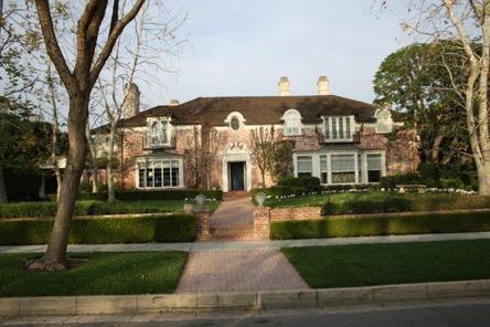 Los angeles city tour and movie stars 39 homes tour viator for Celebrity house tour la