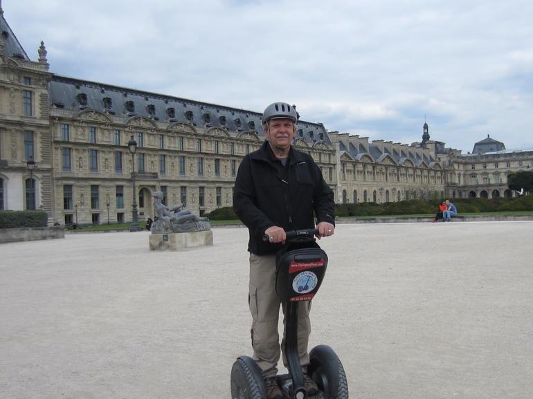 Louvre stop - Paris