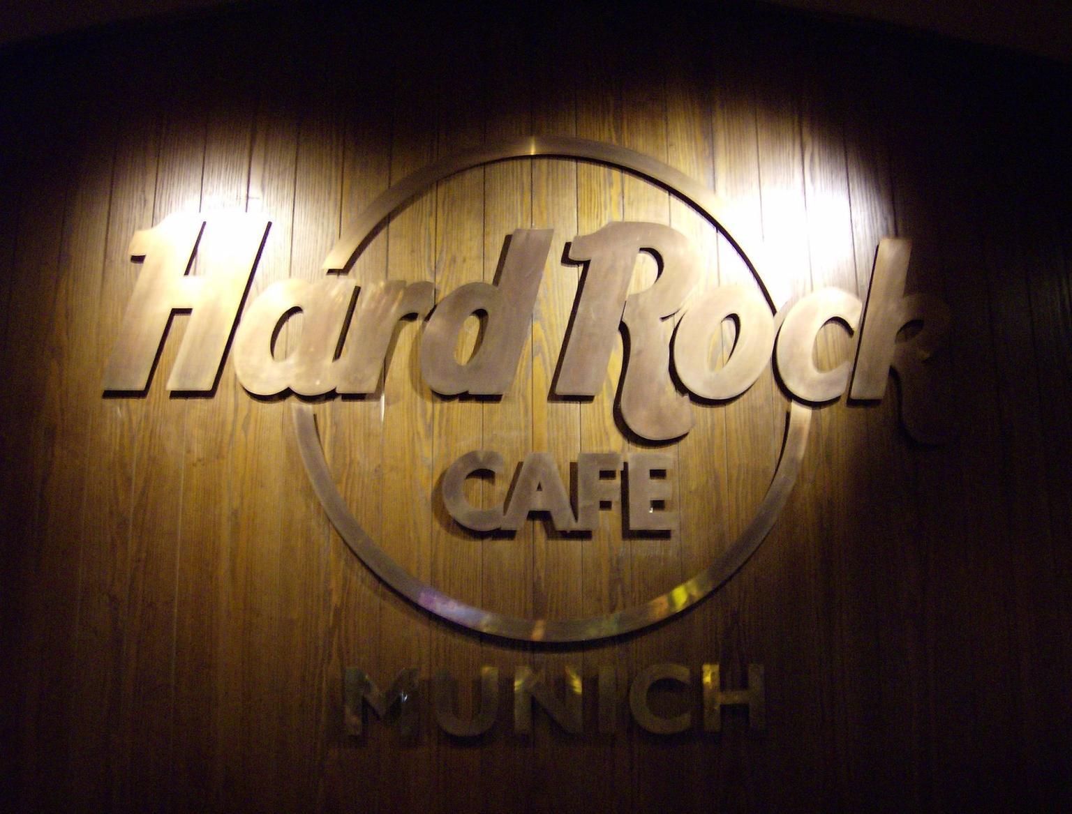 MAIS FOTOS, Hard Rock Cafe Munich Including Meal