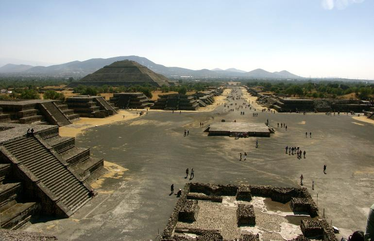Teotihuacan Pyramids and Shrine of Guadalupe photo 9