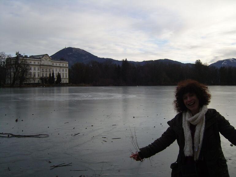 The falling in the water lake - Salzburg