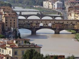 Rio Arno e a Ponte Vecchio, vistos da Piazzetta Michelangelo , Christiane M - October 2014
