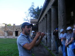 tour guide , sue - November 2013