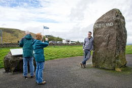 Tourists at the border taking photos. , Carl Johan H - October 2016