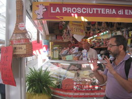 Our guide, Douglas, explaining the history of the shop and its owners. , Beth I - September 2015