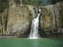 Salto de Jimenoa waterfall, Jarabacoa, Puerto Plata by Daniel via Flickr ~ used under CC-BY license - September 2011