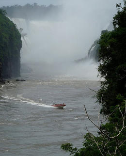 View of the speedboat that drives around the falls., kellythepea - December 2011