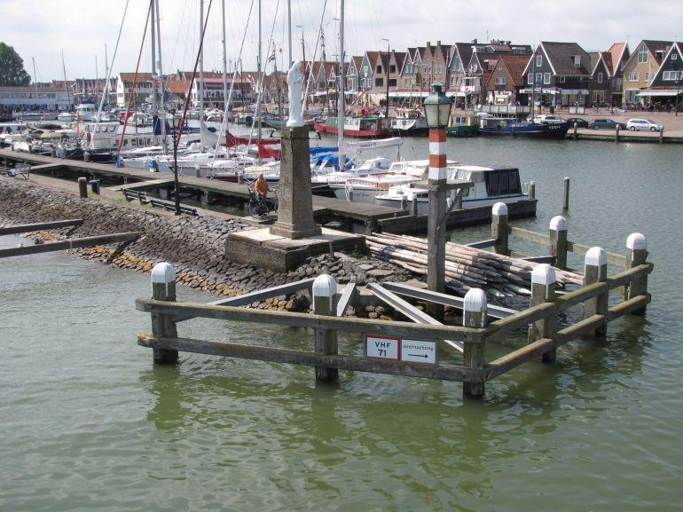 Volendam Docks - Amsterdam