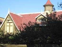 A view of the Wincester Mystery House, Undercover Américan - October 2010
