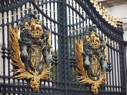 The gates at Buckingham Palace, Yvonne M - September 2010