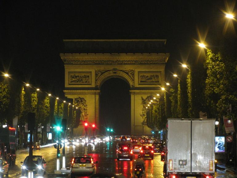 Champs Elysee at night - Paris