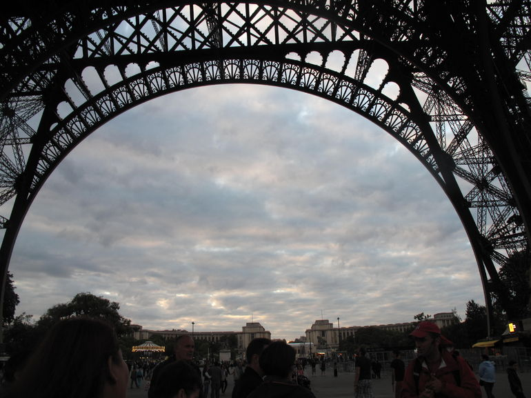 Skip the Line: Small-Group Eiffel Tower Sunset Tour photo 15